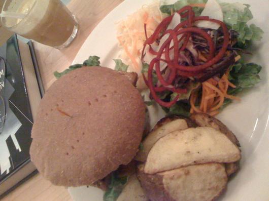 Tempeh burger plate